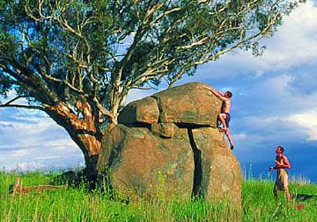 Summer bouldering in the ACT region.